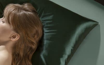 8 Reasons Silk and Satin Pillowcases Are Best For Your Skin And Hair
